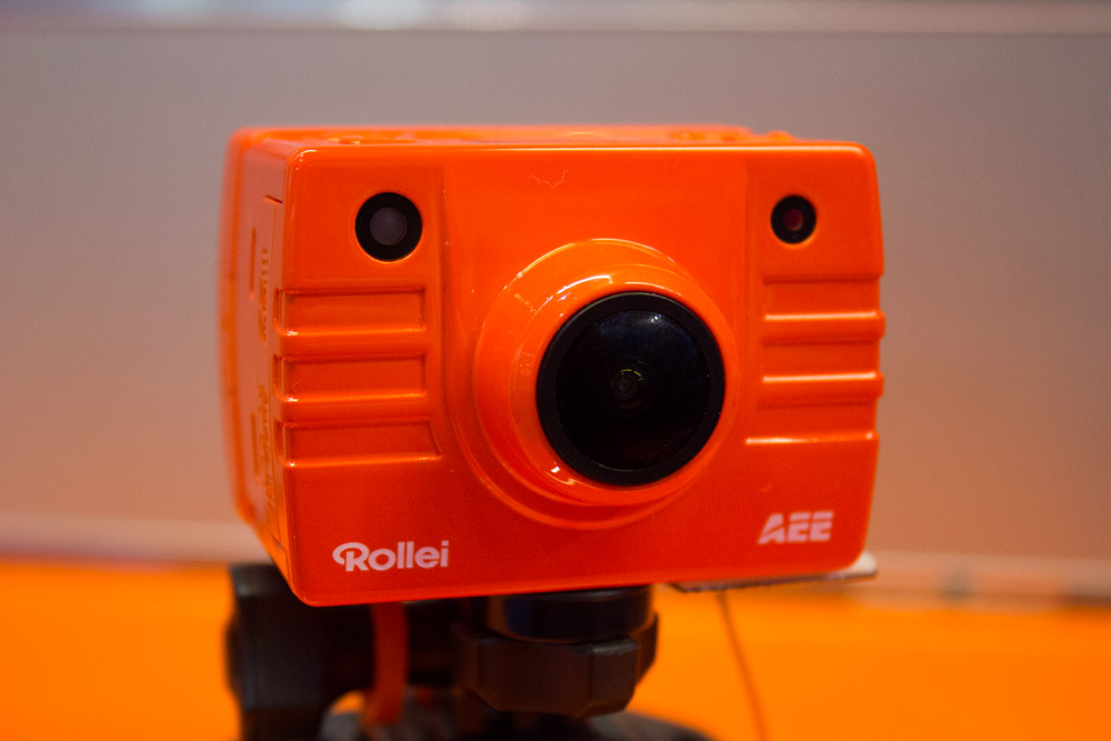 Die Rollei Action Cam in der Bike Edition kostet mit kompletter Zubehörausrüstung 299€.