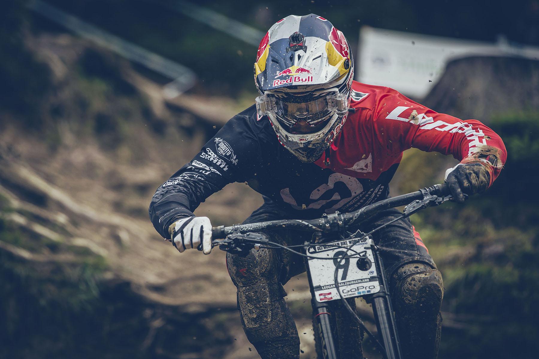Loic Bruni crashte im Training, konnte sich aber wieder schnell auf das Wesentliche konzentrieren!