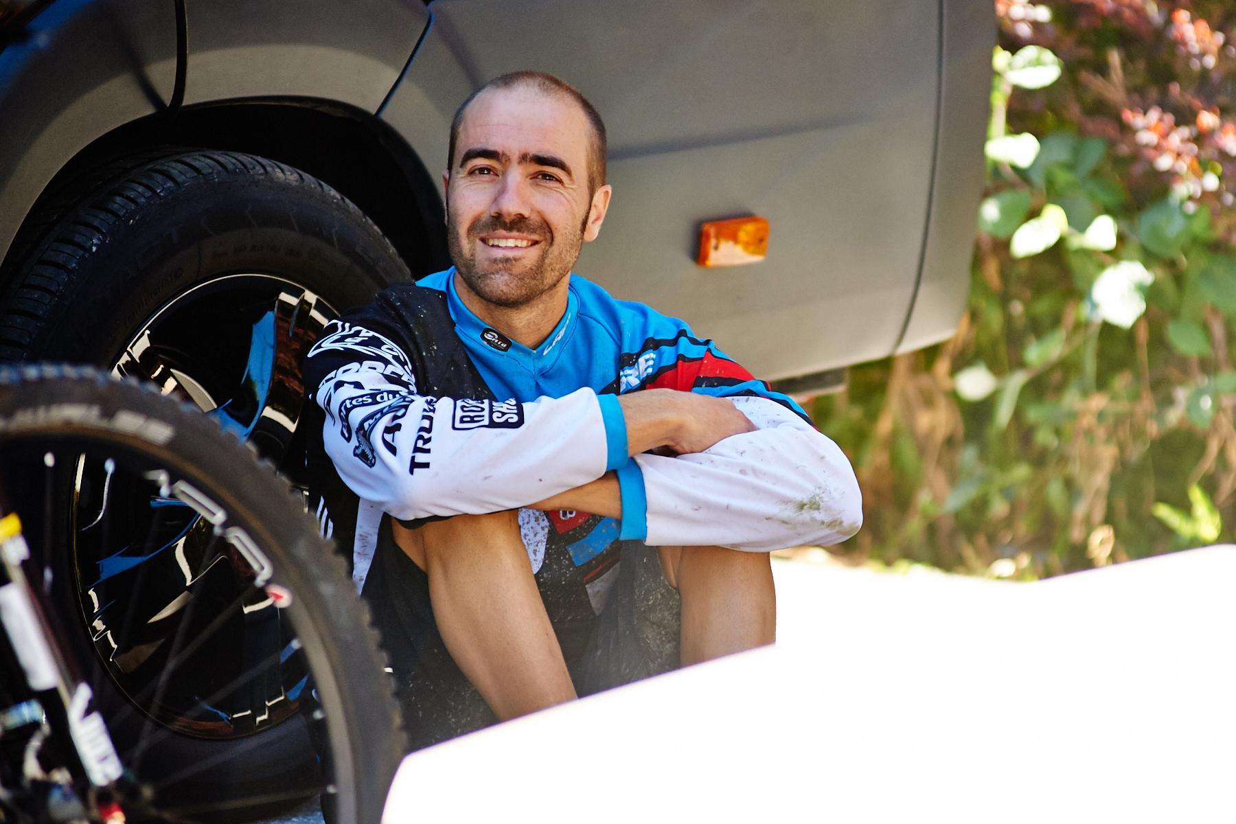 Nico Voullioz ist die ersten Runden verletzungsbedingt ausgefallen. Jetzt ist er wieder mit dabei und sichtlich entspannt!