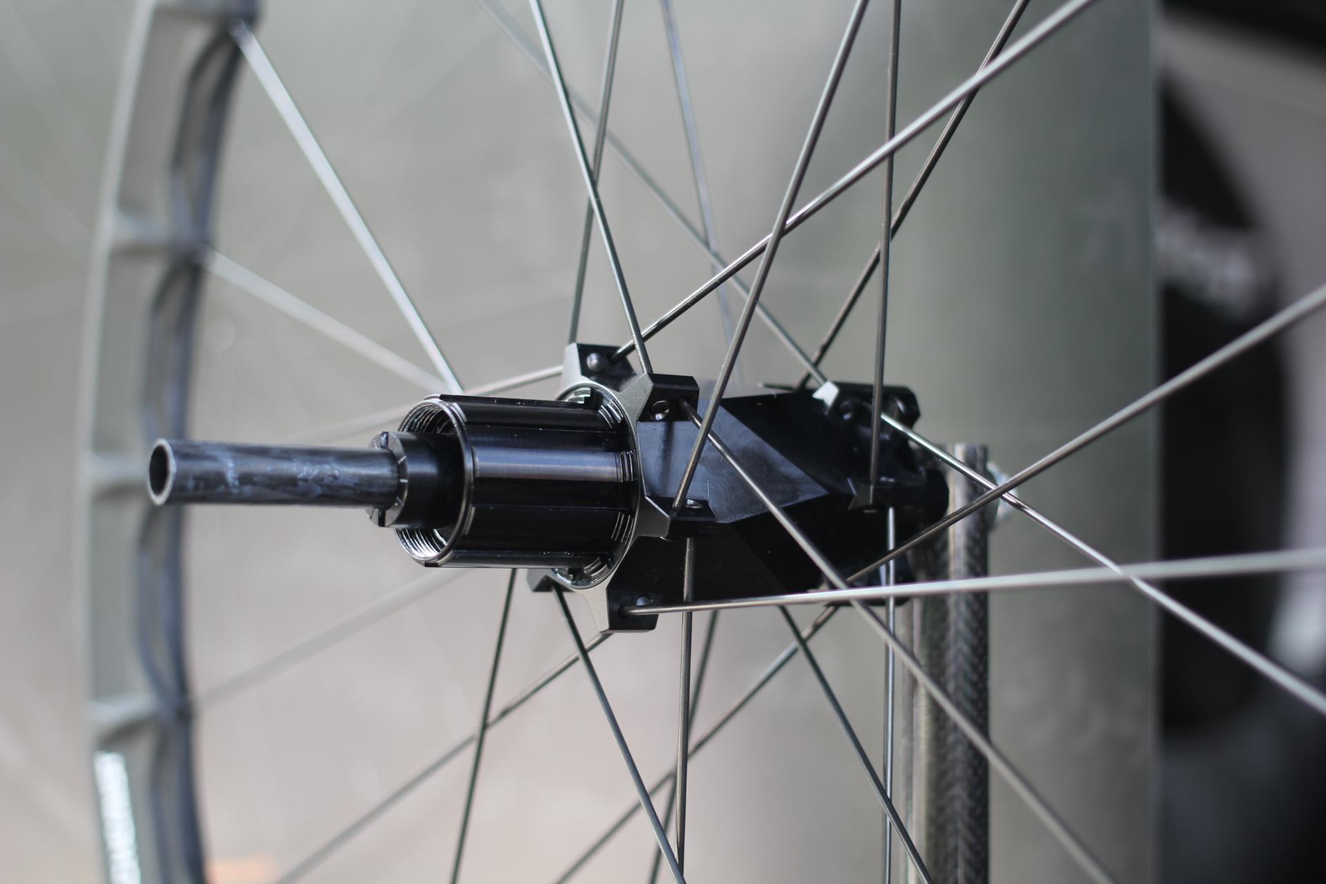 Alchemist Carbon Enduro Laufrad RR Clincher mit Stealth Nabe