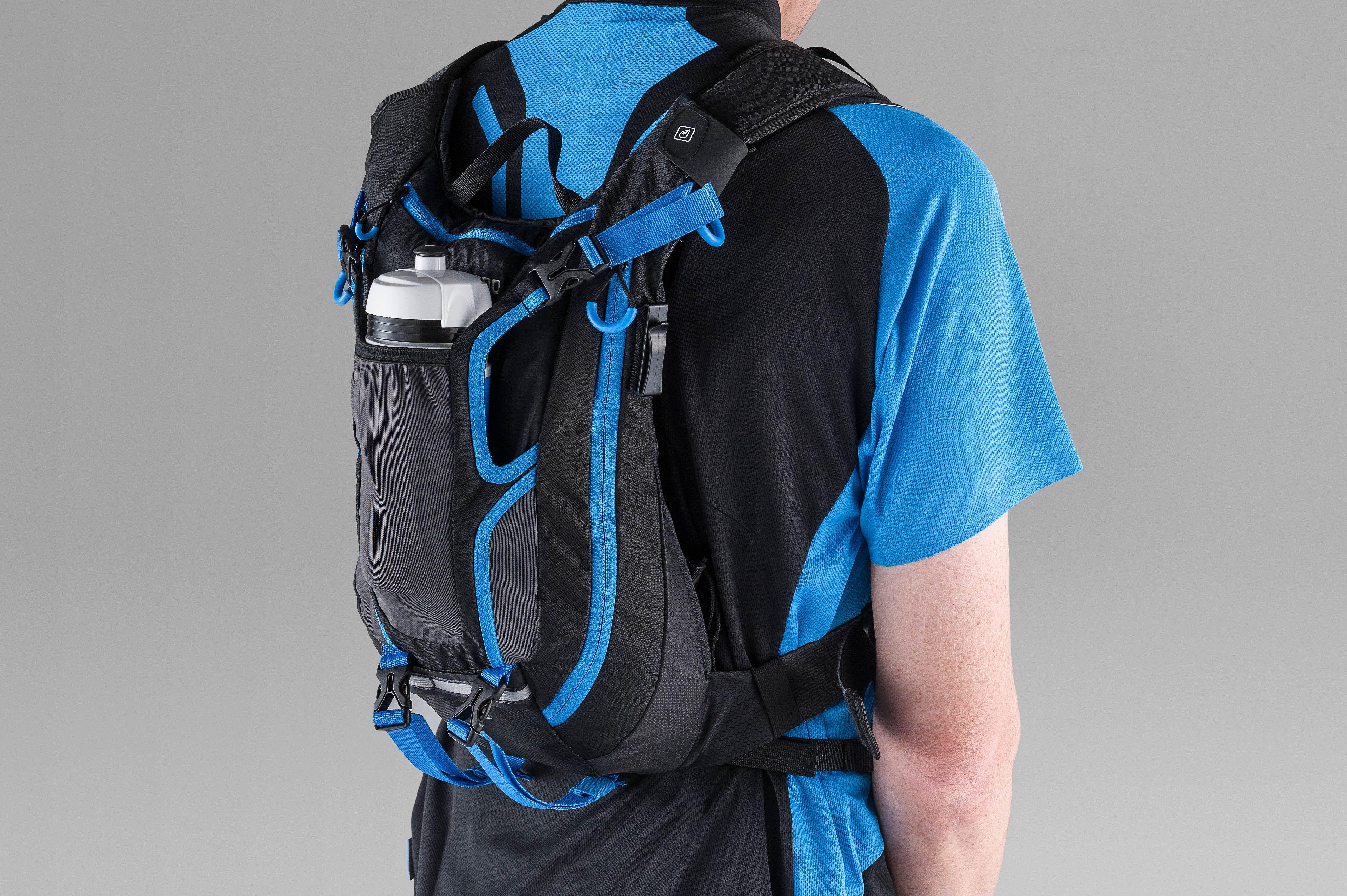 Der Shimano Rucksack bietet viele Verstaumöglichkeiten.