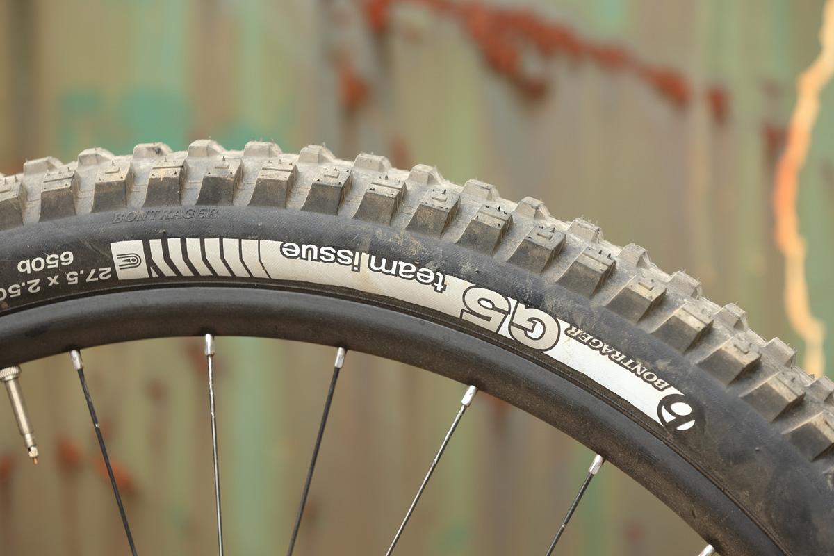 Größere Laufräder und neue Reifen. Auch der Bontrager G5 wurde noch mal überarbeitet.