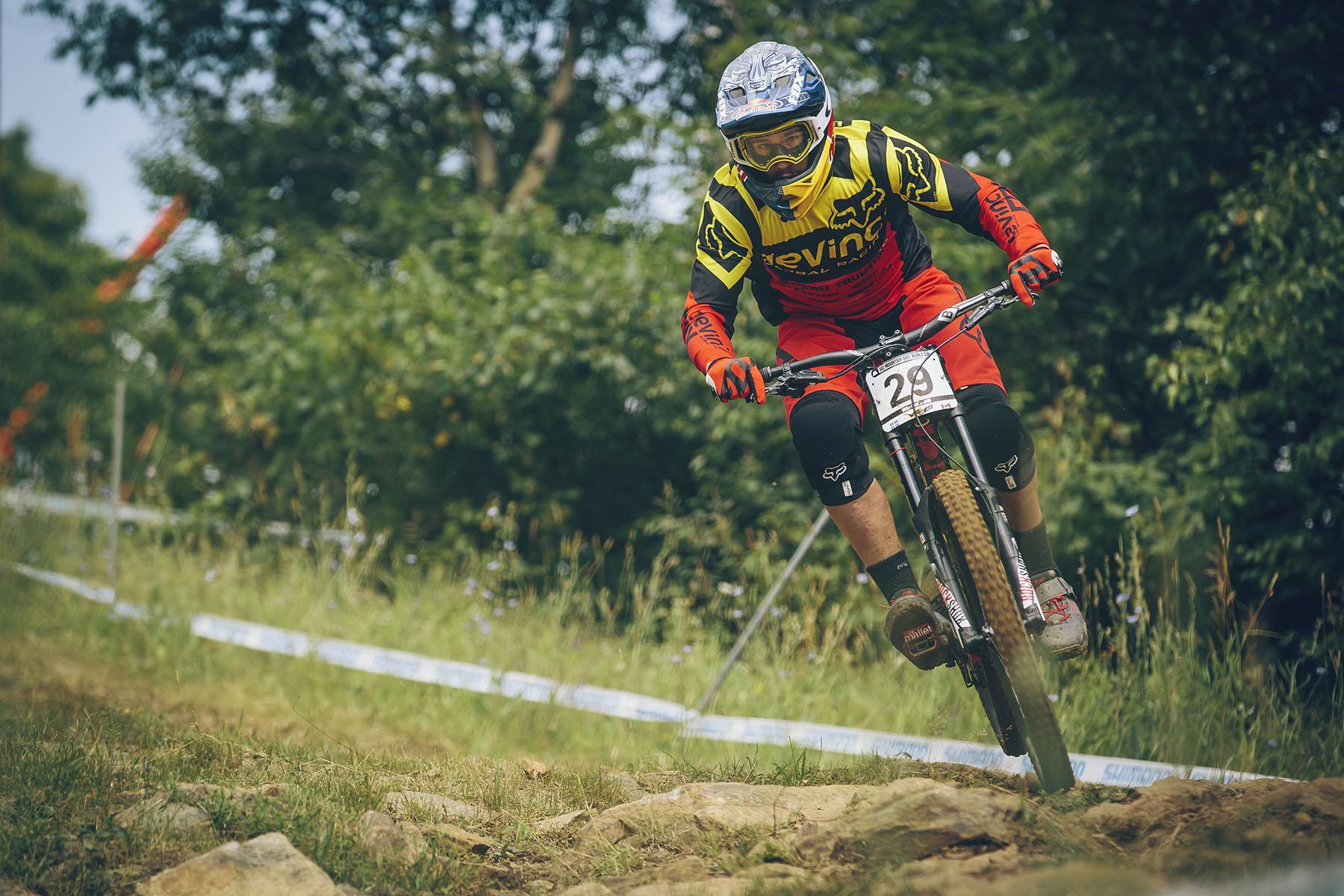 Steve Smith gewann letztes Jahr das Rennen in Mont Sainte-Anne. Sicherlich mit ein wenig Heimvorteil, allerdings sieht es in dieser Saison nicht gut für ihn aus. Es scheint, als hätte er sich im Training den Knöchel verletzt, so dass seine Teilnahme am Rennen fraglich ist.