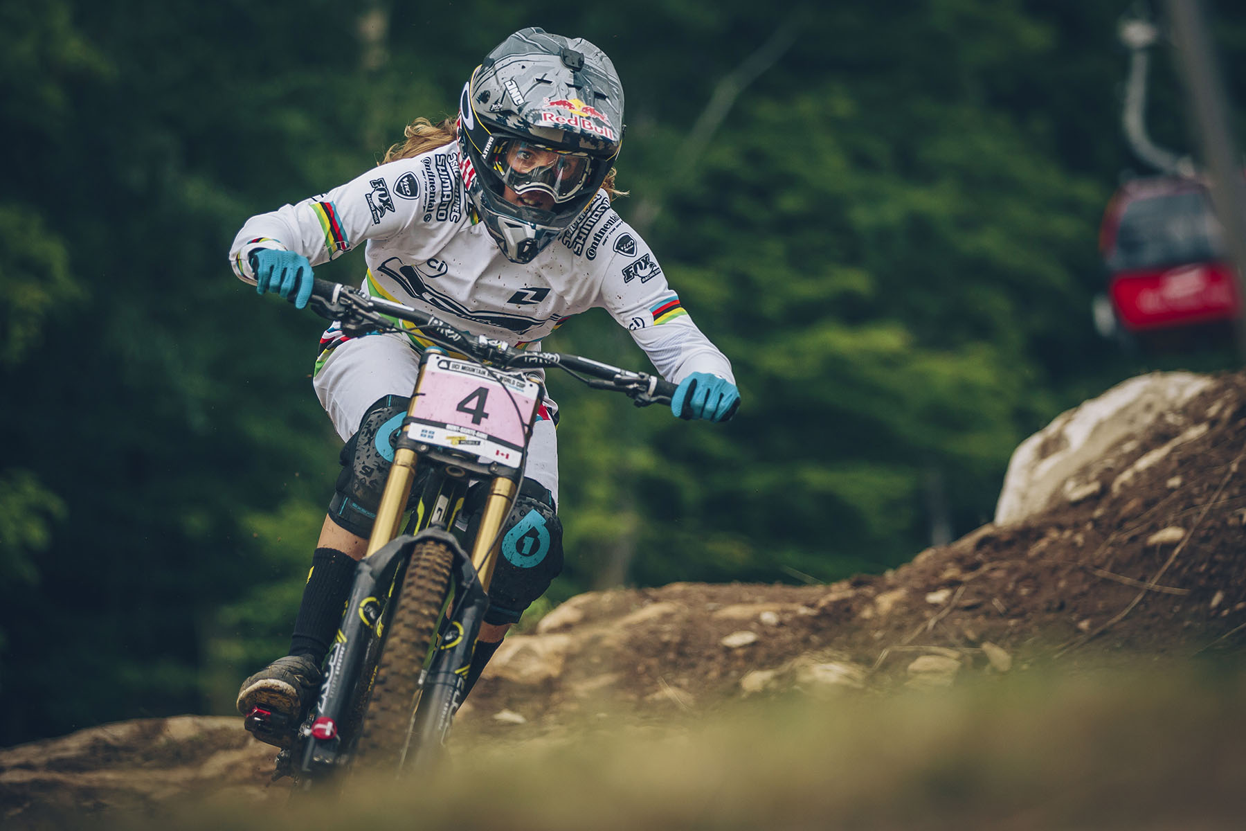 Rachel Atherton was a little off the pace in qualys yesterday which set her back to 3rd place. A smooth consistent run saw Rachel cross the line a huge 15 seconds up on hot seat rider Tahnee, but with Ragot and Manon still to come was it enough to fend them off.
