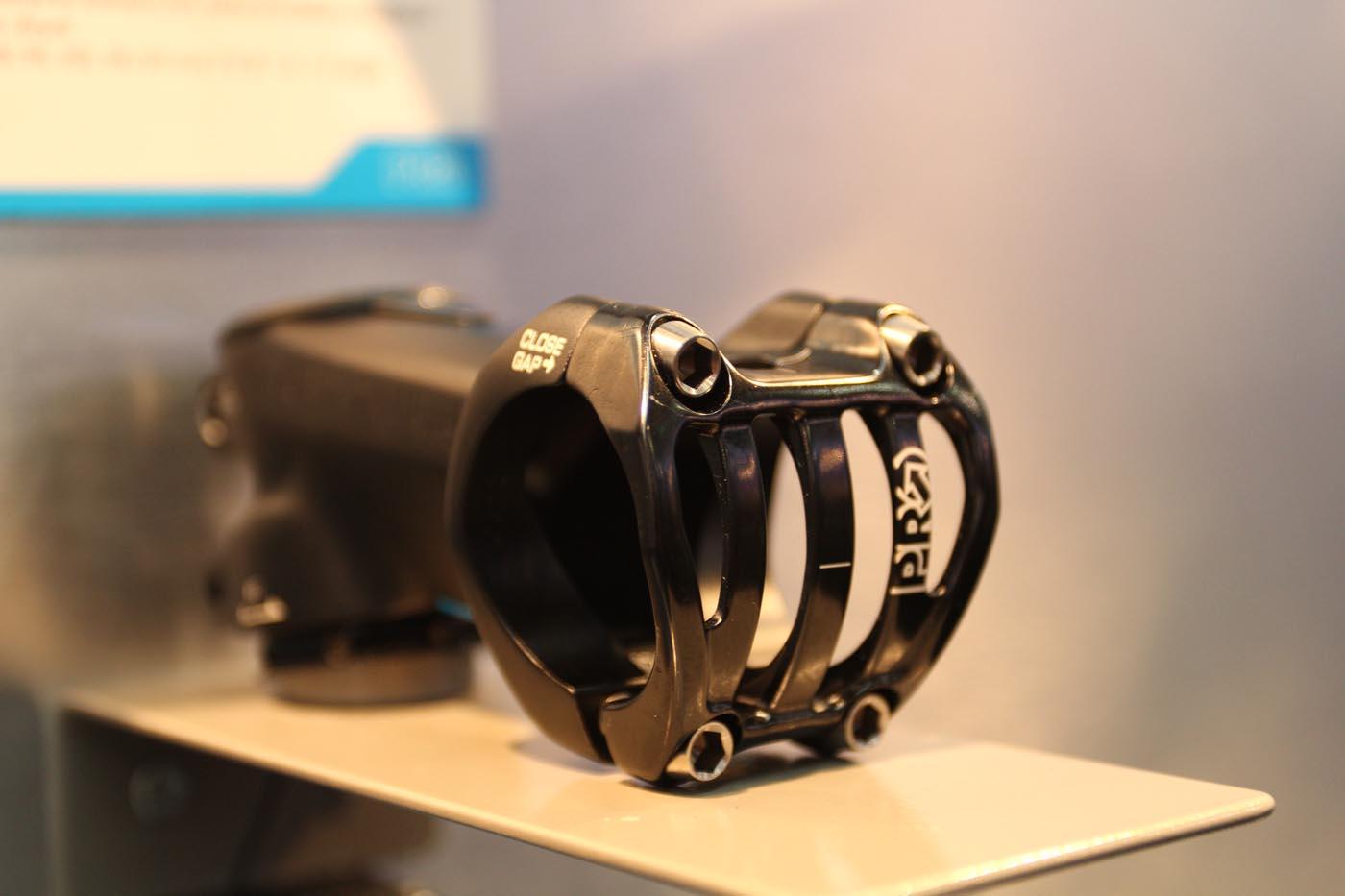 Das Kabel der DI2 kann durch den speziellen PRO-Vorbau zum Rahmen gezogen werden, so dass man eine saubere Optik erhält.
