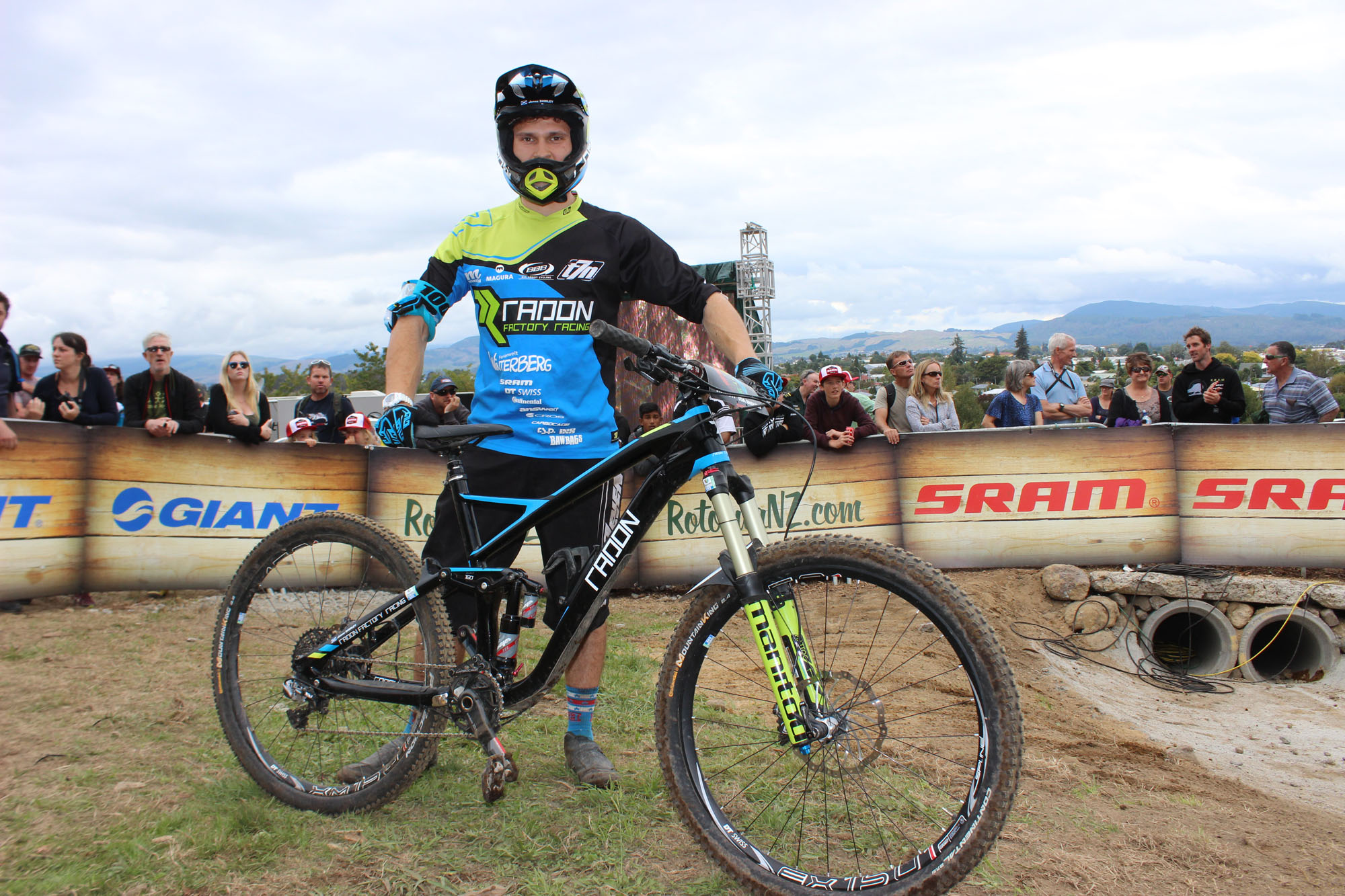 James Shirley vom Radon Factory Enduro Team © Julian Gerhardt