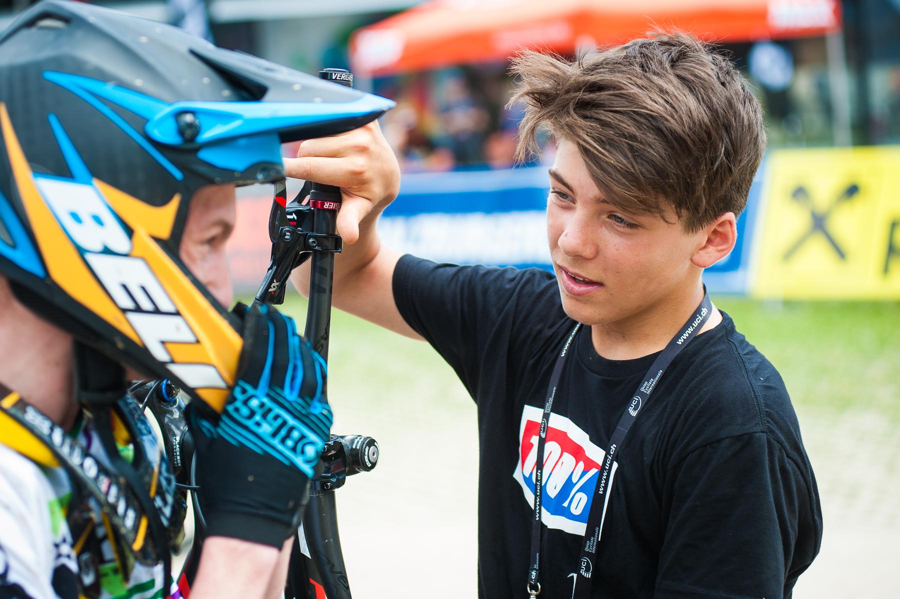 Finn Iles. Der Youngster war auf der Strecke Vorstarter und erreichte eine Zeit, die bei den Junioren für den vierten Platz gereicht hätte.