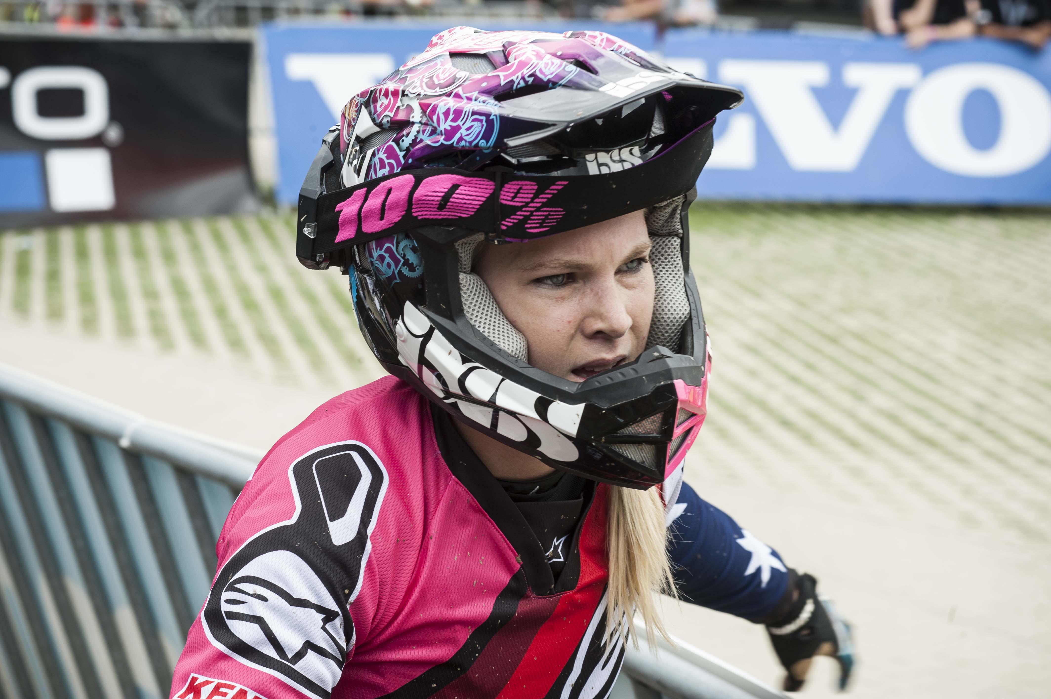 Tracey Hannah fährt in die Top Five der Damen.