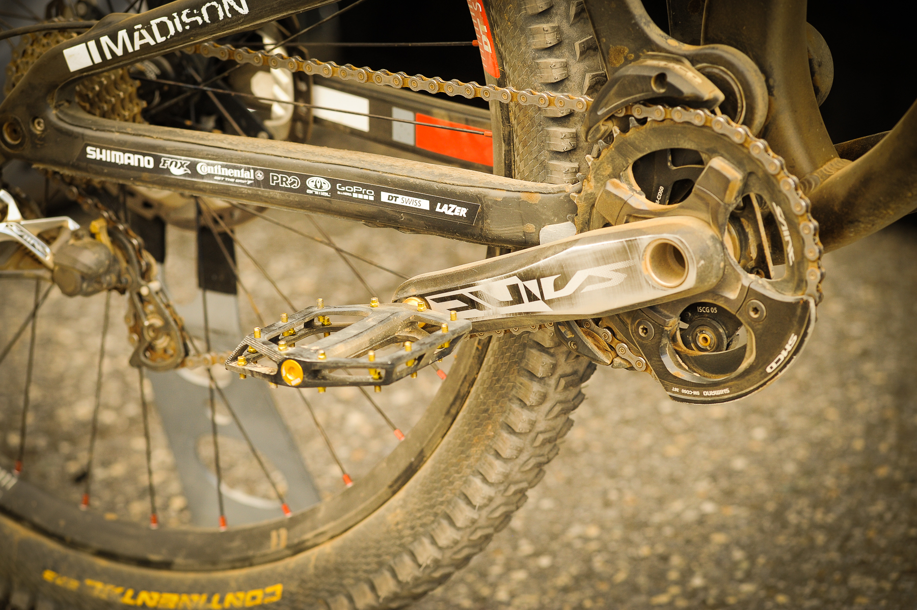Sam Dale hat sich dieses Mal für Flat Pedal entschieden? Ein Zeichen für eine gut designte Strecke?