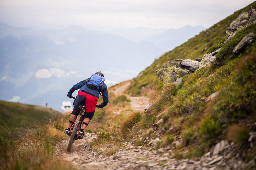 Herrnsteig-Trail mit Fernblick. TRAILTROPHY/Wisthaler.com-Schwienbacher
