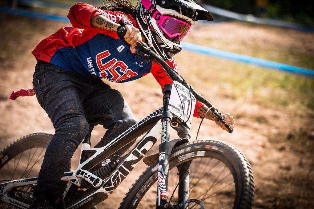 Living legend! Missy Giove hat sich ebenfalls für's Rennen qualifiziert. Eine stattliche Leistung, wenn man bedenkt, dass sie nur noch gelegentlich Downhill fährt.