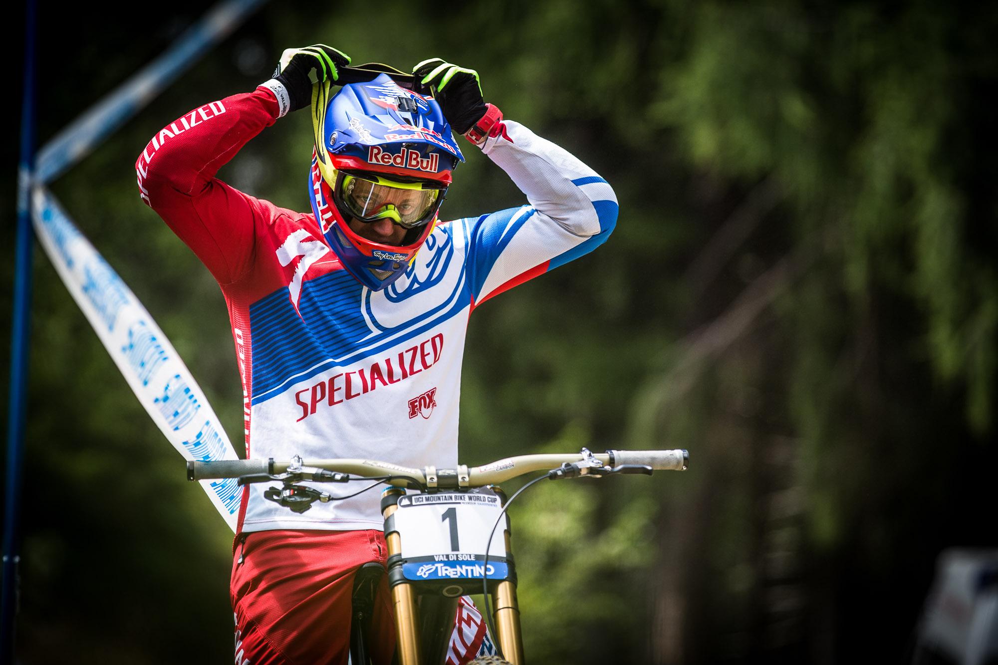 Wie hätte man dran zweifeln können! Aaron Gwin gewinnt das Rennen in Val di Sole und damit auch den World Cup 2015!