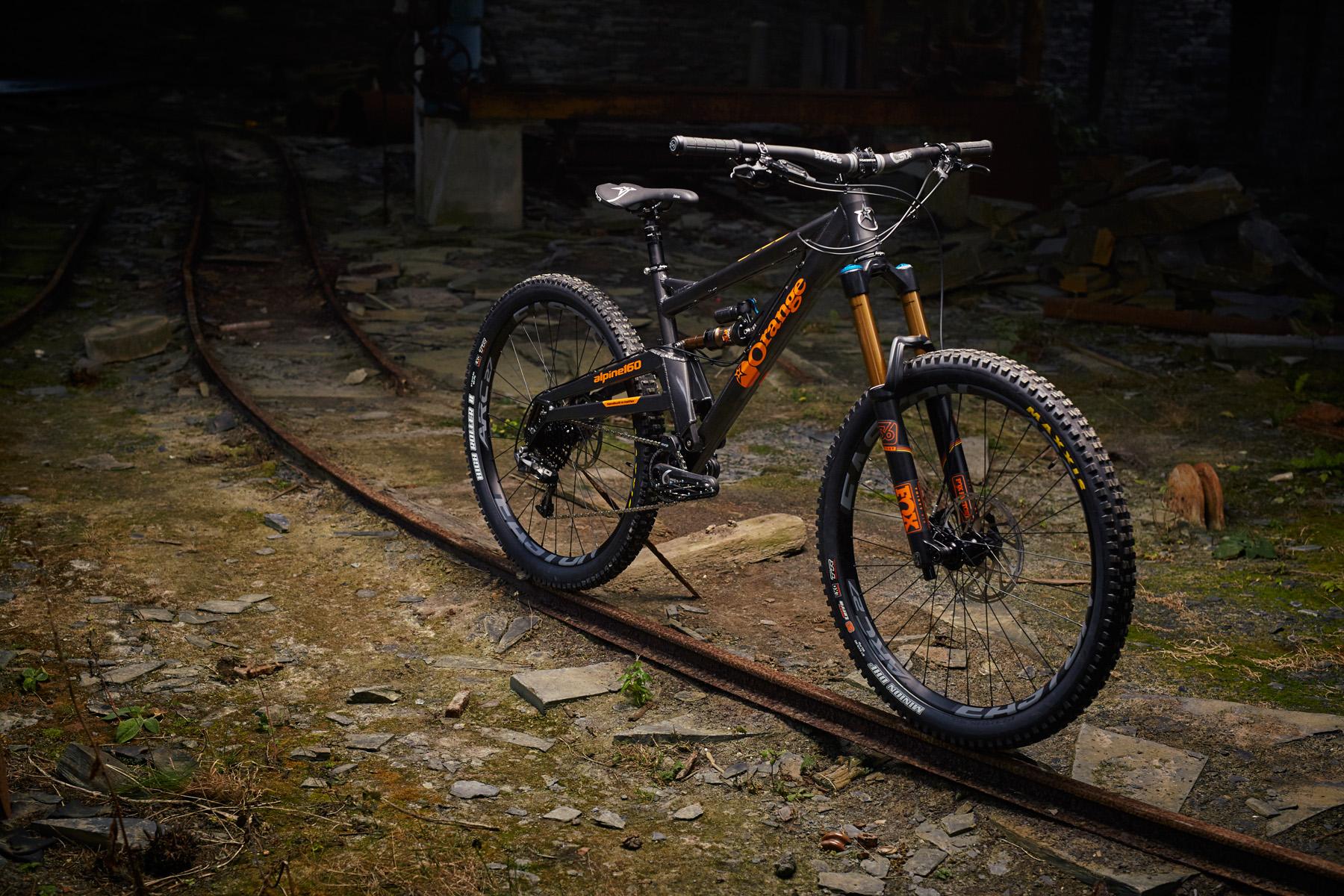 _MG_2037 Orange Alpine 160 Factory