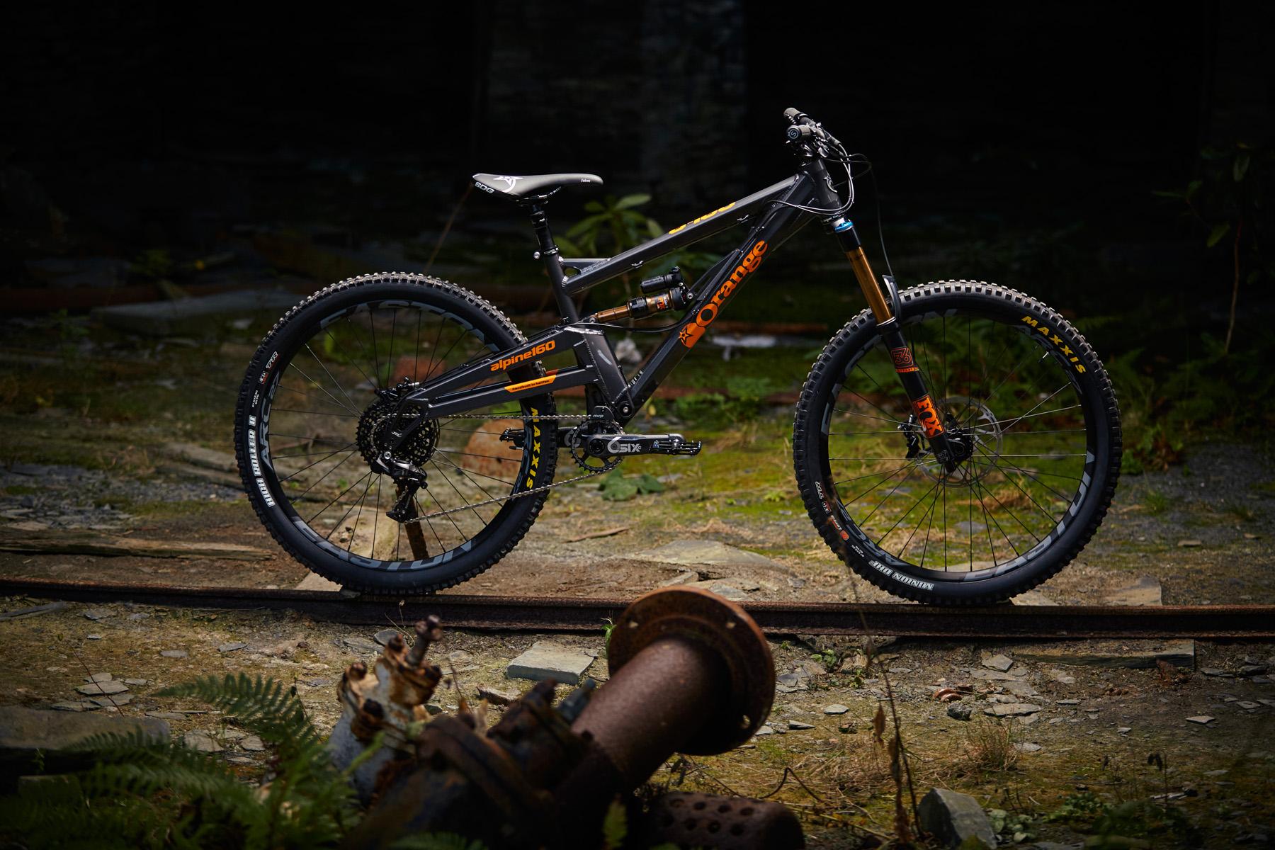 _MG_2059 Orange Alpine 160 Factory