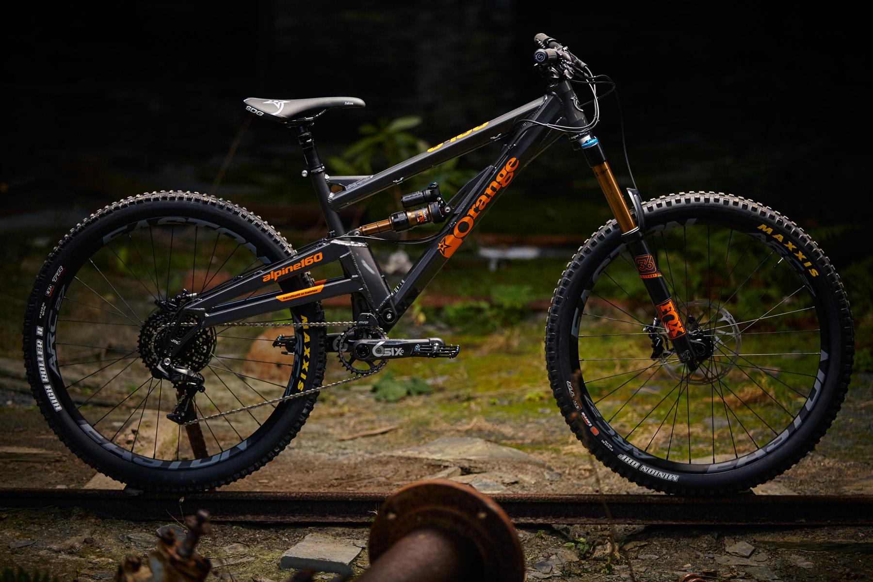 _MG_2062 Orange Alpine 160 Factory