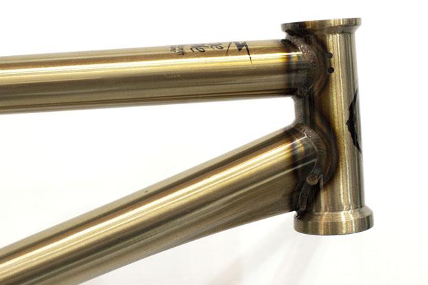 BMX goes High-Tech: Der untere Teil dieses Rahmens ist kein Gusset, sondern sogenanntes Hydrotubing