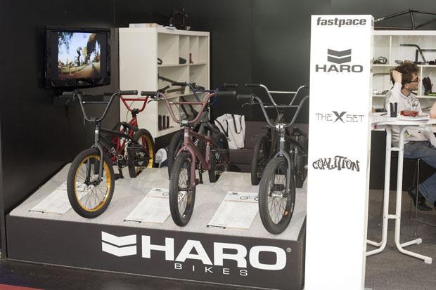 Letztes Jahr hatte Haro in Deutschland noch keinen BMX-spezifischen Vertrieb, nun ist die Firma mit Premium zusammen bei Herrn Kujawski erhältlich