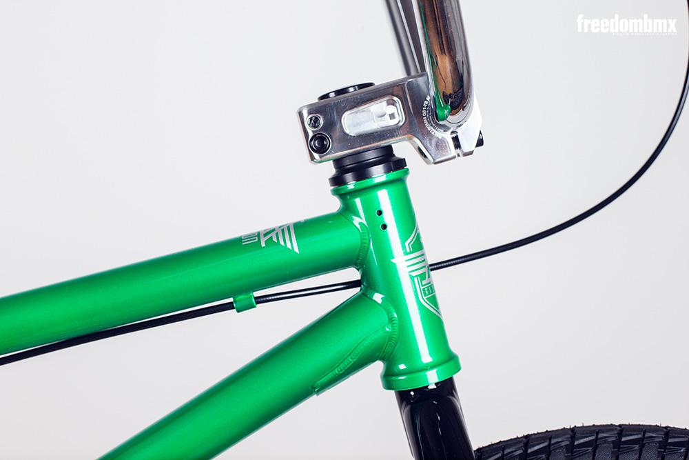 Radio-Bikes-Astron-0003
