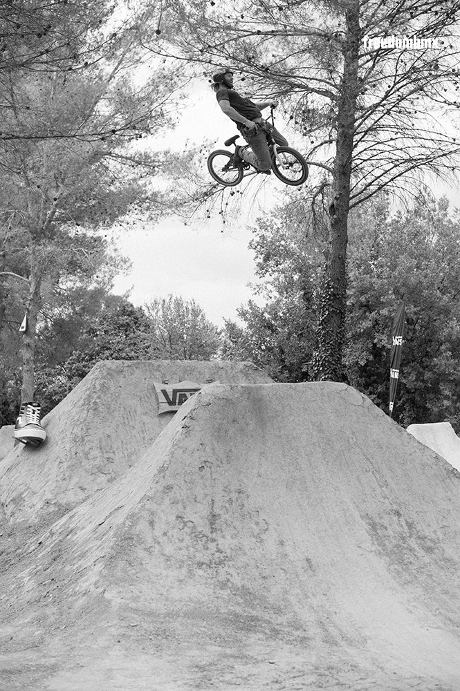Mike-Hucker-Clark-Kill-the-Line