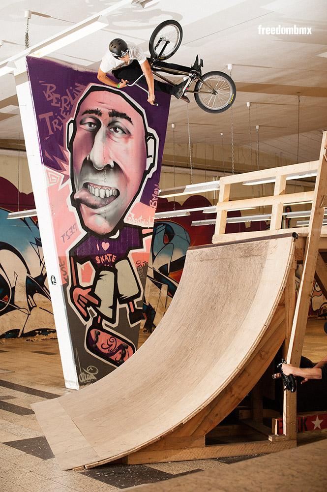Die Projekt X Halle in Trier muss bald umziehen, weil Marcel Gans bei seinen Airs regelmäßig an die Decke kommt