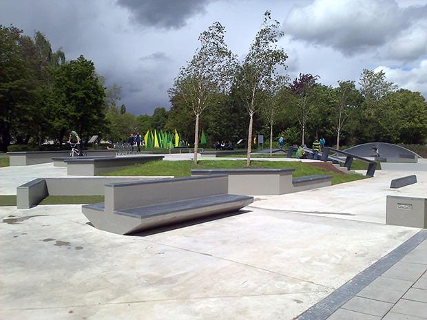 Grindsportfreund_innen empfiehlt sich ein Besuch des neuen Skateplazas in Gießen