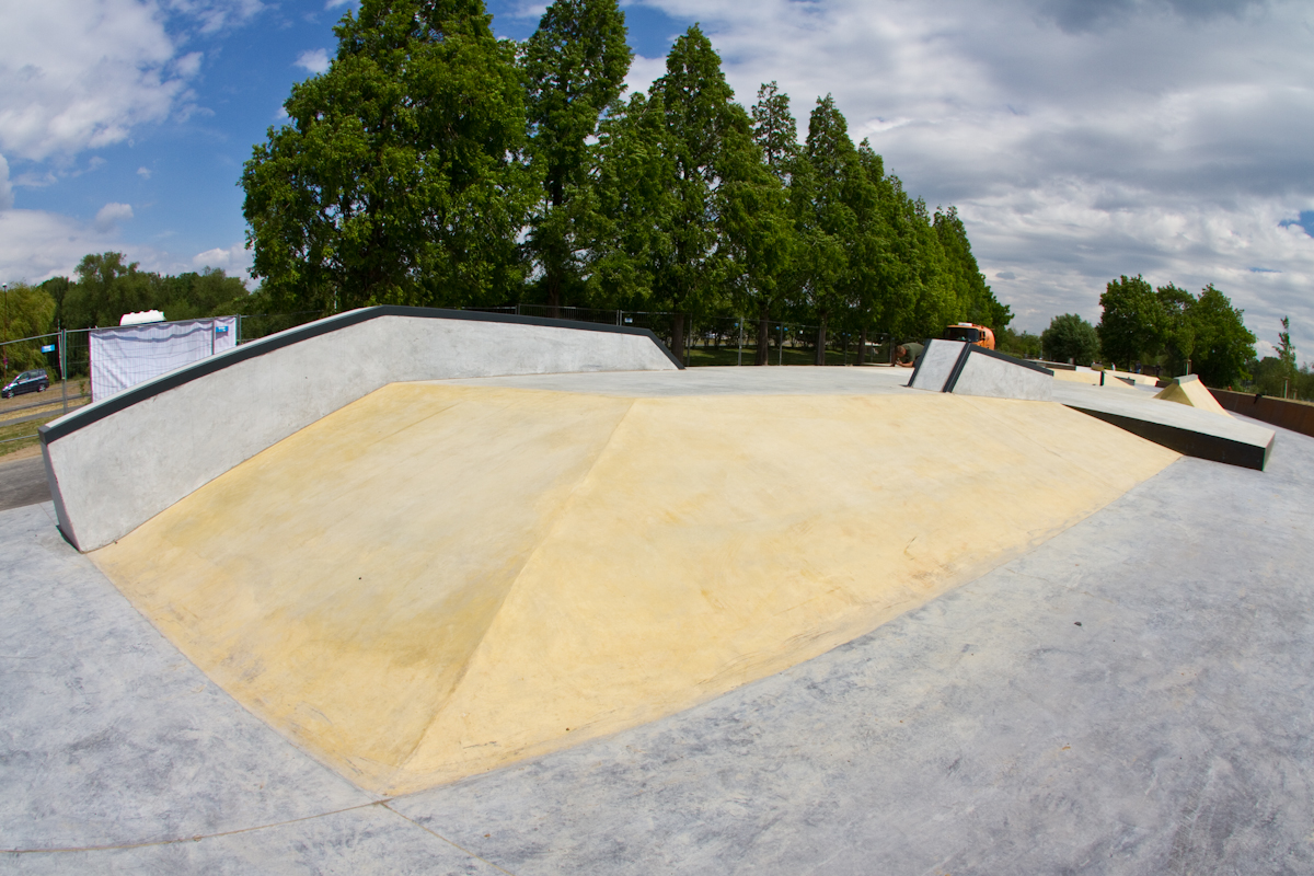 Skatepark Wolfsburg Bank-Hip
