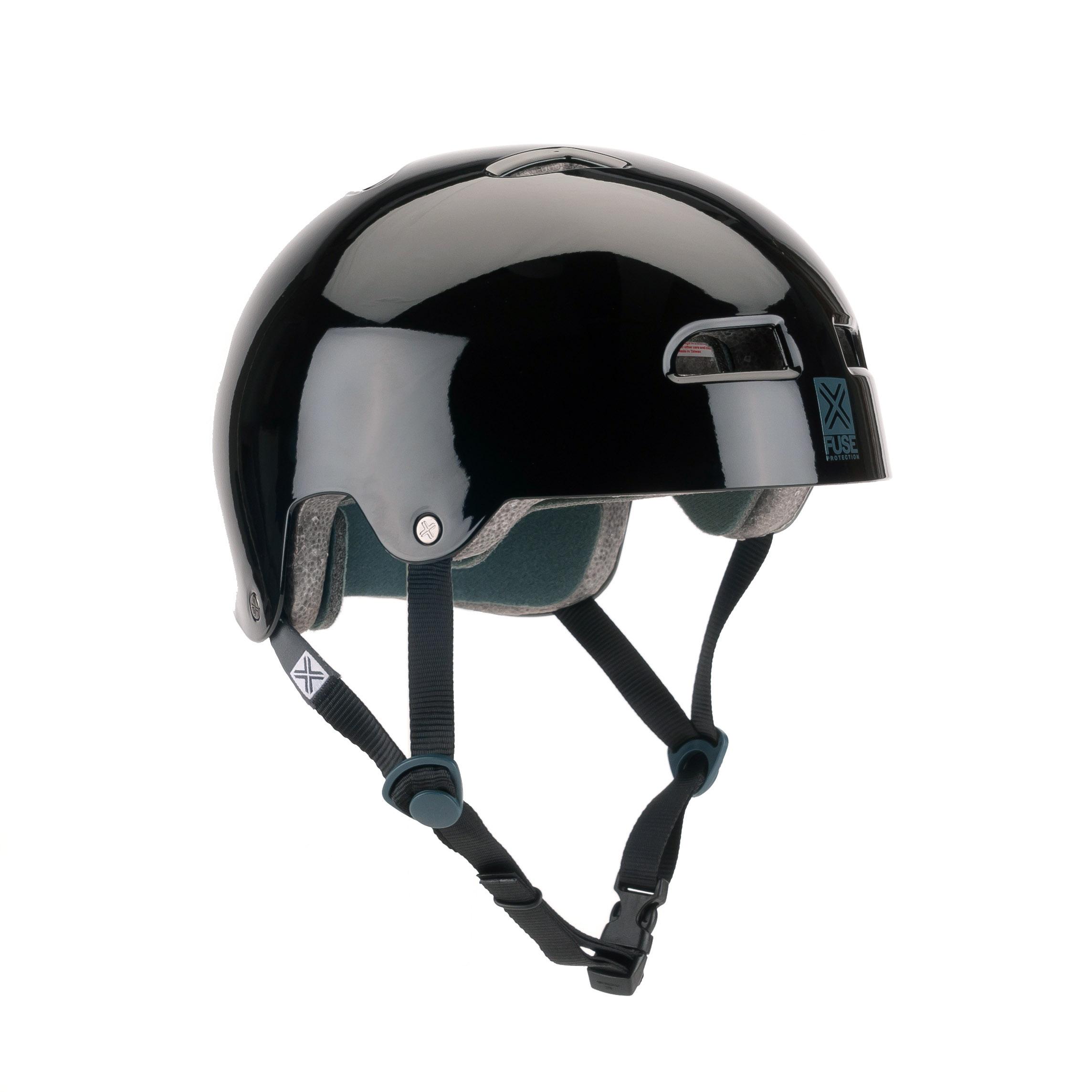 Der Fuse Protection Icon Helm in schwarz sieht nicht nur gut aus, sondern sitzt auch noch bequem.