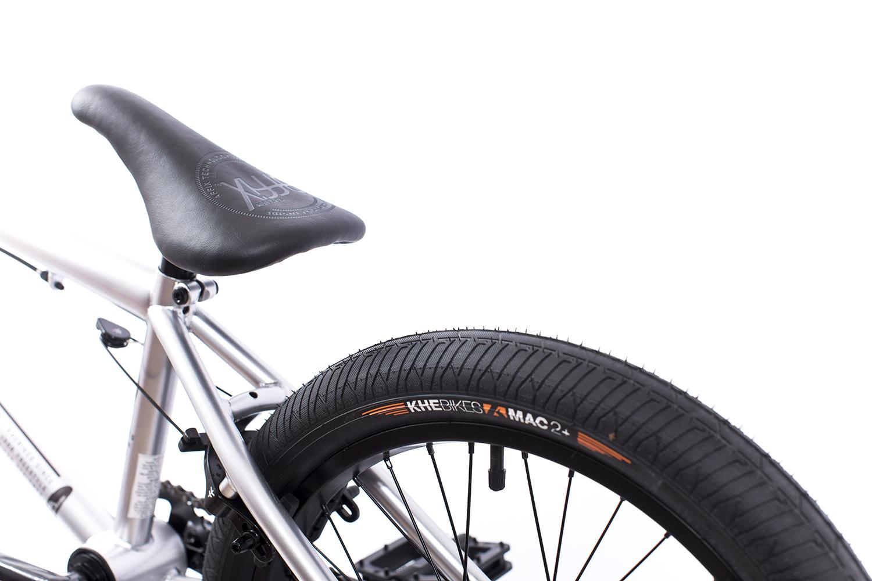 Die ''MAC2''-Reifen von KHEbikes ist der leichtest BMX-Stahlbandreifen der Welt