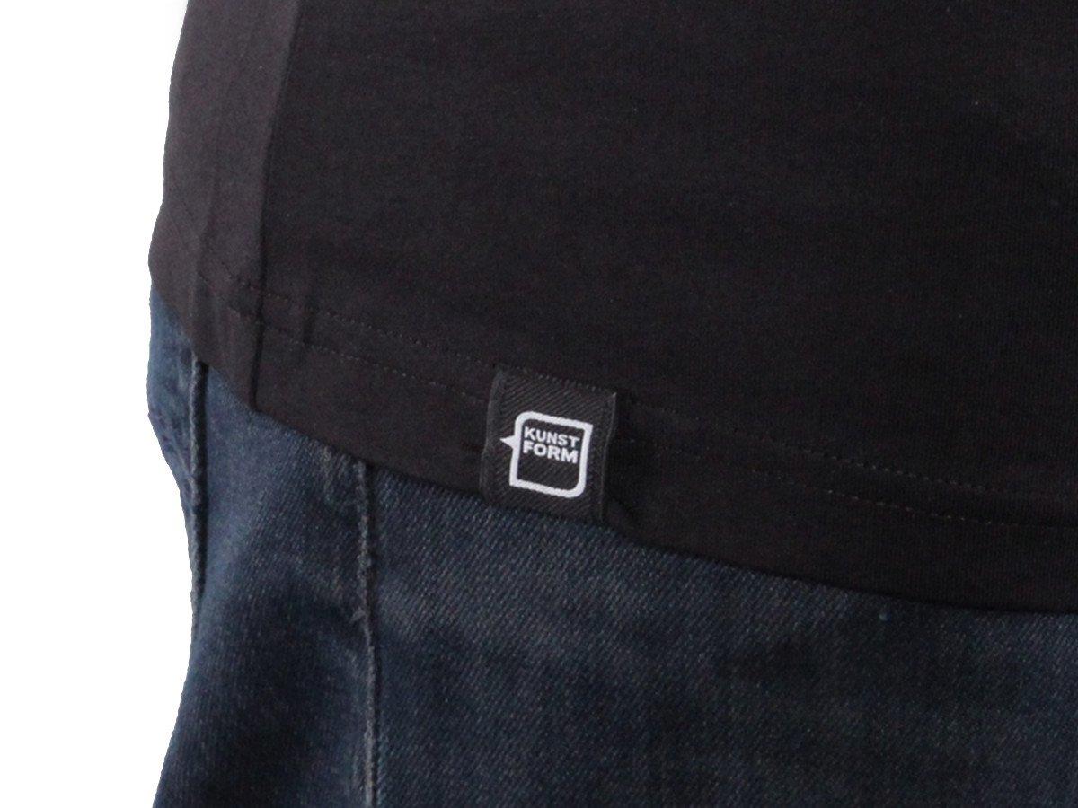 kunstform BMX Team T-Shirt in schwarz mit eingenähtem Label