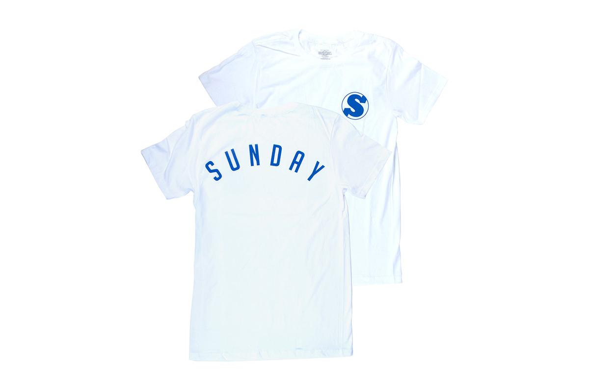 Mit dem ''Bullpen''-Shirt von Sunday Bikes machst du auf dem Baseballfeld eine gute Figur