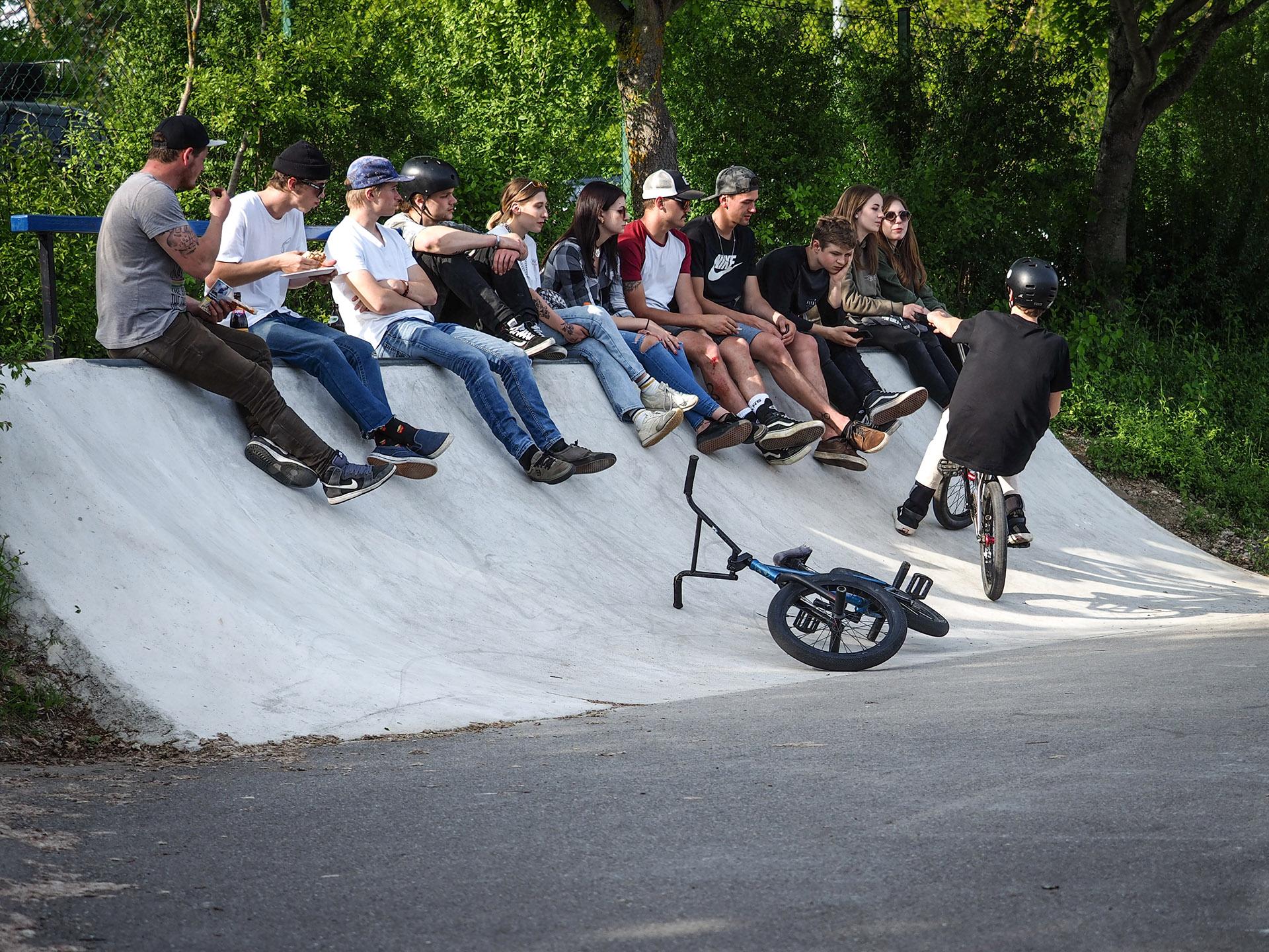 Fankurve im Skatepark Lohhof