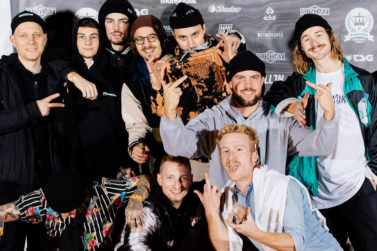 Die süßen Boys vom kunstform BMX Shop plus Merlin Czarnulla und Tom Schorb-Mergenthaler