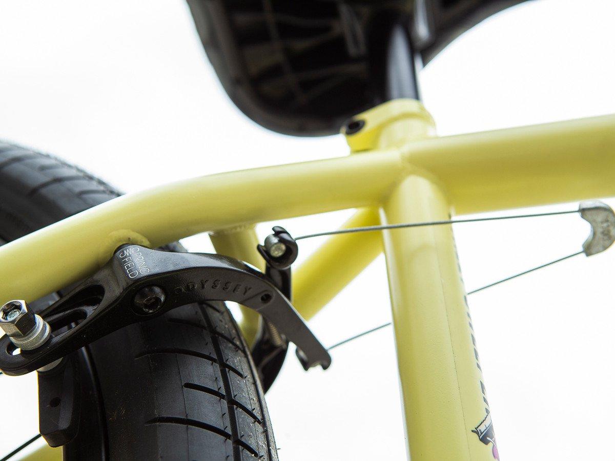 Der Street Sweeper wird mit einer Hinterradbremse von Odyssey geliefert. Die Bremssockel sind natürlich abschraubbar, genau wie die Gyro-Tabs