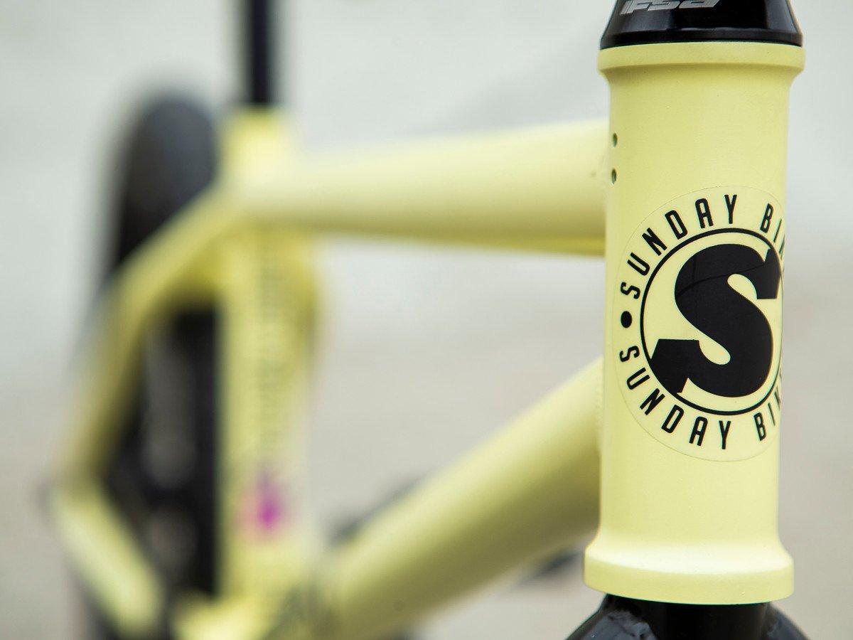Ein cleaner Look gehört bei Sunday Bikes zur Grundausstattung dazu; genauso wie die abbschraubbaren Gyro-Tabs