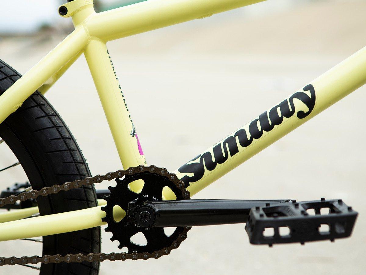 Kettenblatt: Sunday Bikes Sabertooth V2, 6061 Aluminium, CNC, 25T Kurbel: Sunday Bikes Saker, chromply, 3-teilig, 19 mm 8 spline Achse, 160 mm lange Kurbelarme