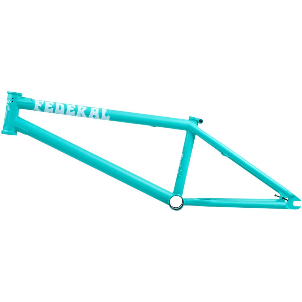Federal Bikes Boyd Hilder Signature Frame mit extra langem Oberrohr, ovalem Unterrohr, ICS2-Wishbone, Stickerdesign by Rich Forne sowie Investment-cast-Ausfallennden (Oberrohrlängen: 20,7, 21, 21,2 oder 21,5'' Steuerkopfwinkel: 75.2° Sattelrohrwinkel: 71° Kettenstrebenlänge: 13,4