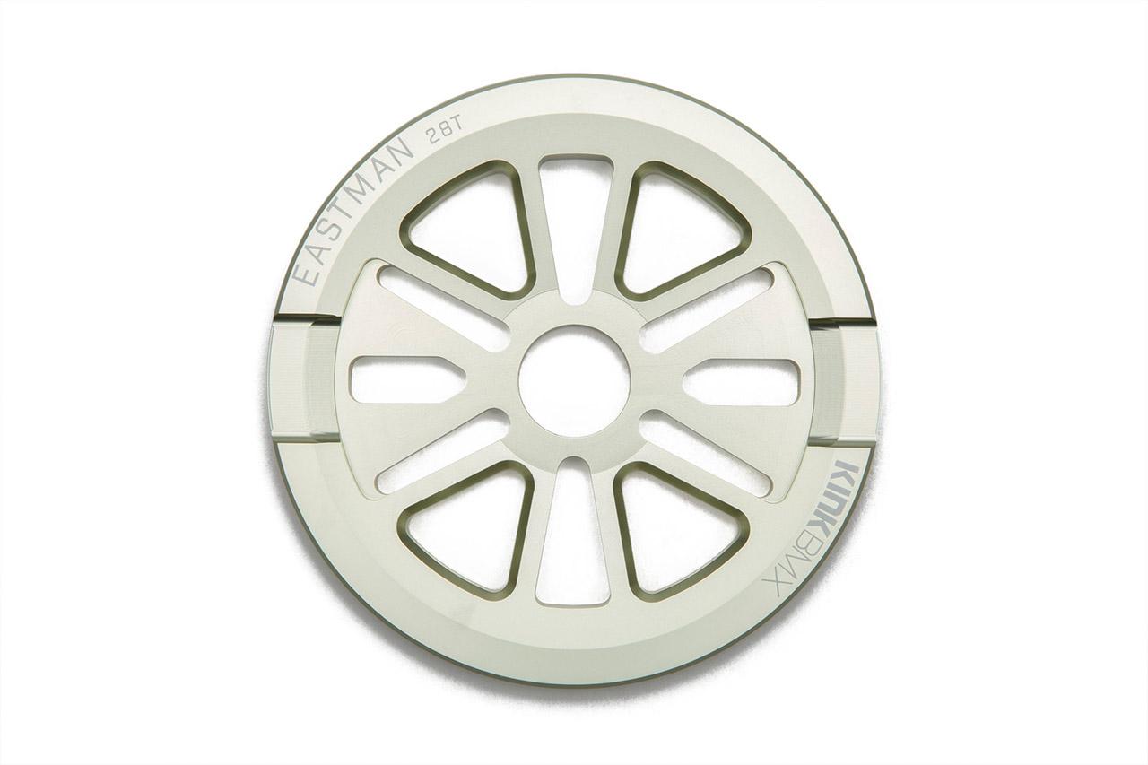 Der neue Colorway von Kink BMX heißt Matte Pale Mint. Hier ist das Easterman-Kettenblatt mir integriertem Guard in dieser Farbe, das mit 25 und 28 Zähnen erhältlich ist. Die 25-Zähne-Version wiegt 150 g, die 28er einen Tick mehr