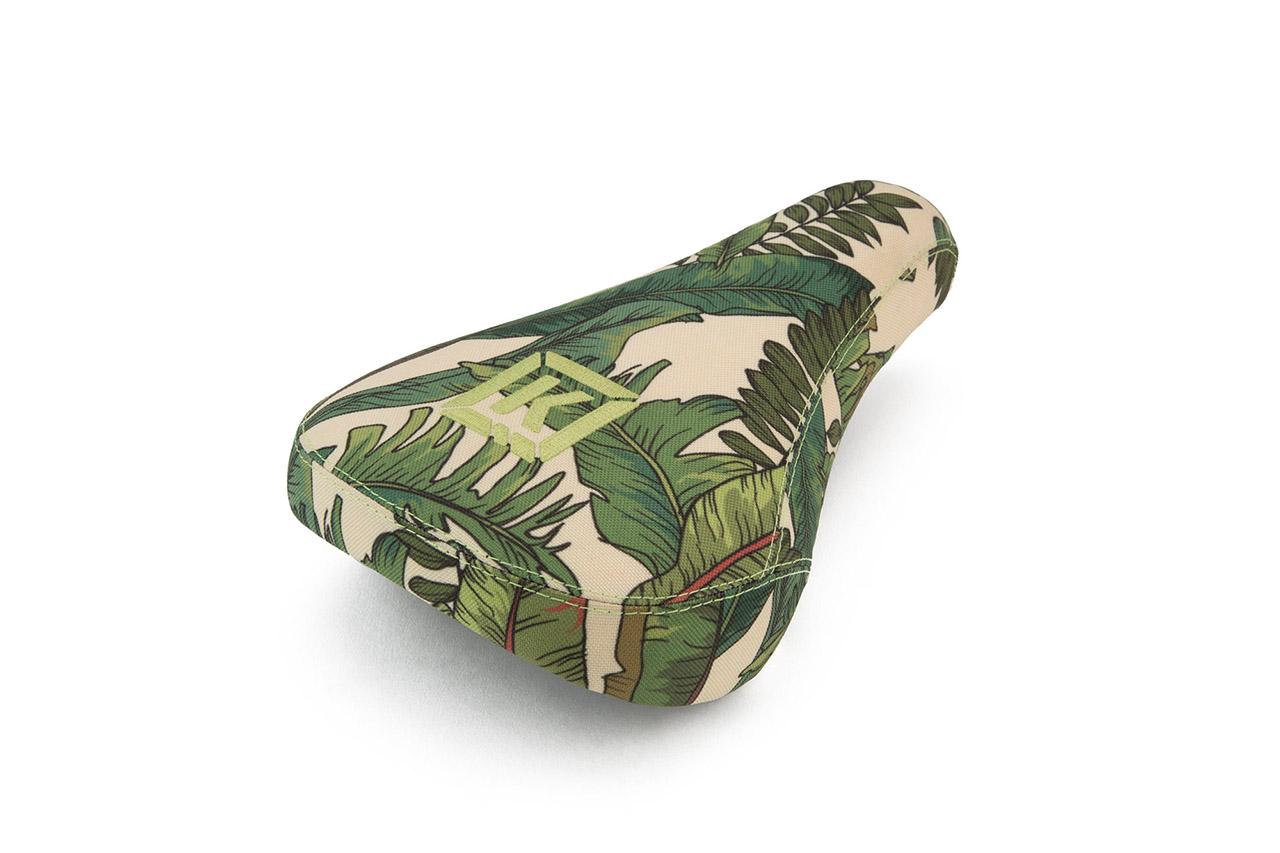Den Stealth Pivotal Seat gibt es jetzt mit Overgrown-Print