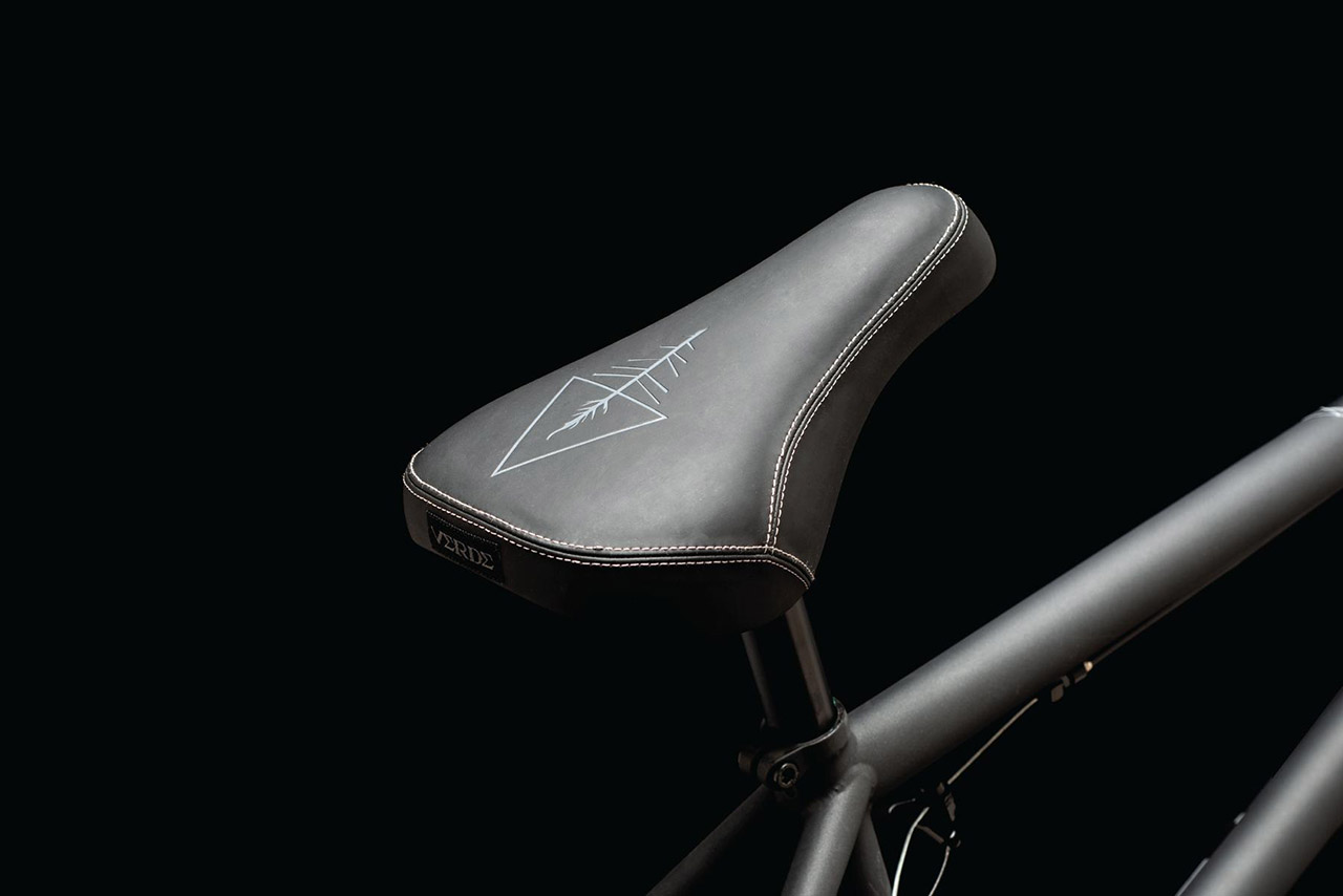 DUO Brand Dots Stealth Pivotal Seat