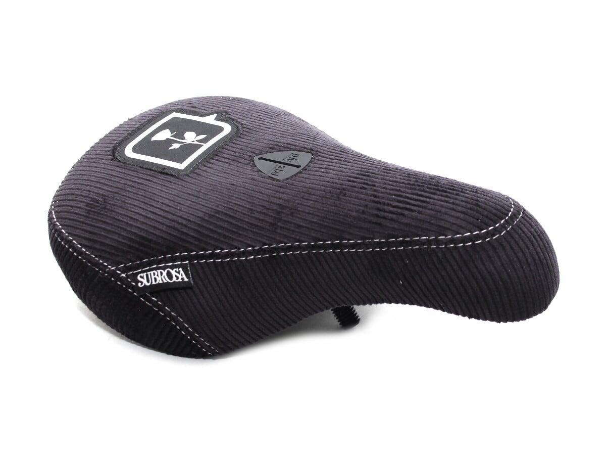 Der Subrosa Bikes X kunstform Pivotal Slim Seat hat einen Cordbezug und einen Unterbau aus Kunststoff, der vorne und hinten verstärkt ist
