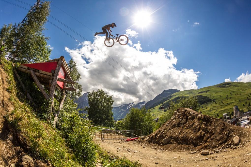 Über den Wolken...Fettes Bild vom Champion: Anthony Messere