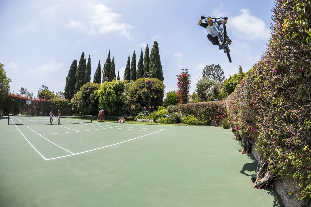 Auf dem Tennisplatz: Game, Set and Match MacAskill  ; Foto:Red Bull