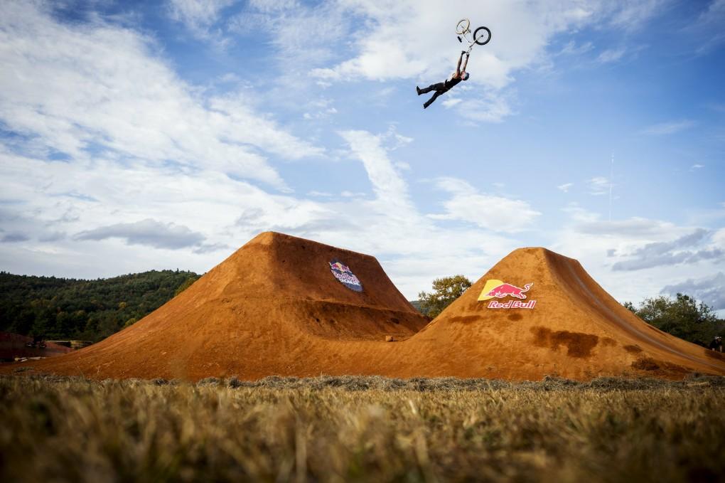 Jaie Toohey genießt mächtig Airtime; Foto: Red Bull