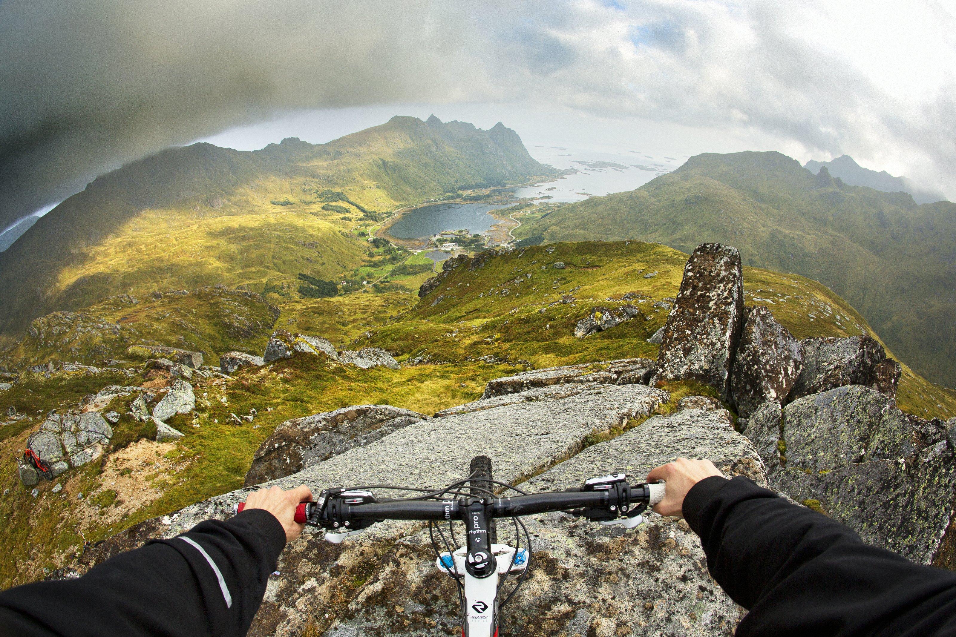 Atemberaubende Aussichten auf die Fjorde, Foto: Red Bull