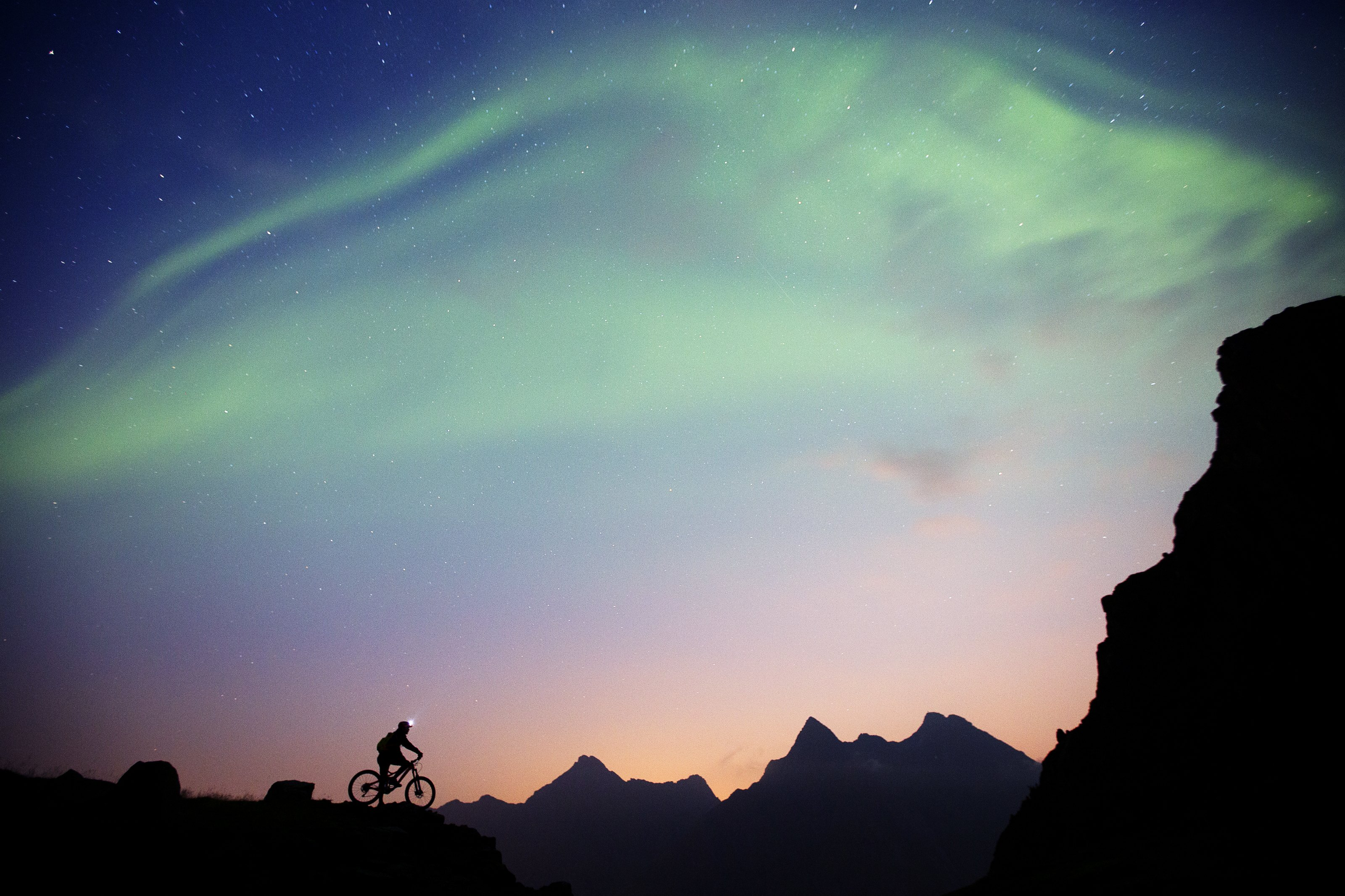 Polarlichter zum Sonnenuntergang, Foto: Red Bull
