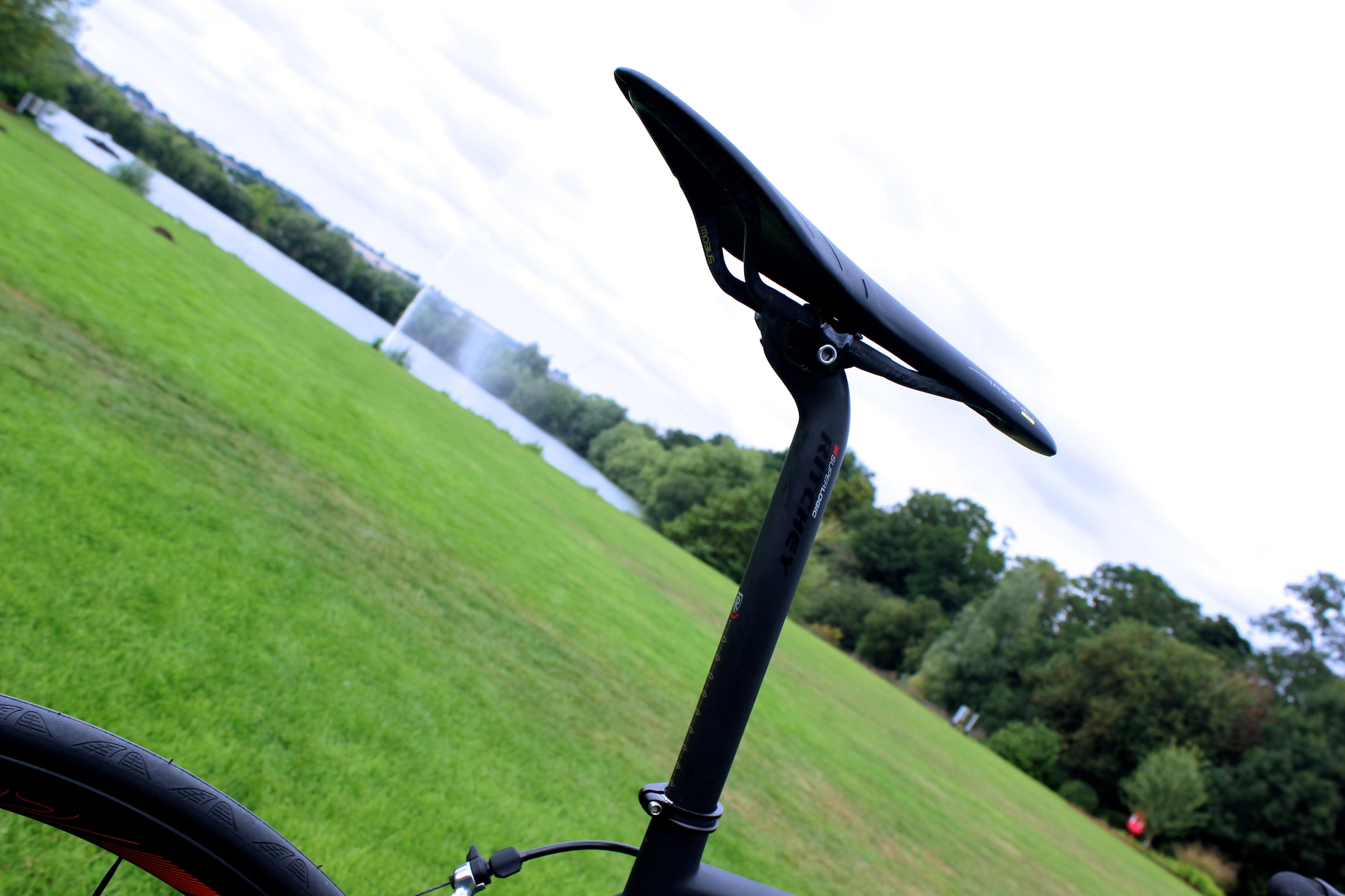 Scott Addict SL, Fizik Arione 00 saddle, pic: Timothy John, ©Factory Media