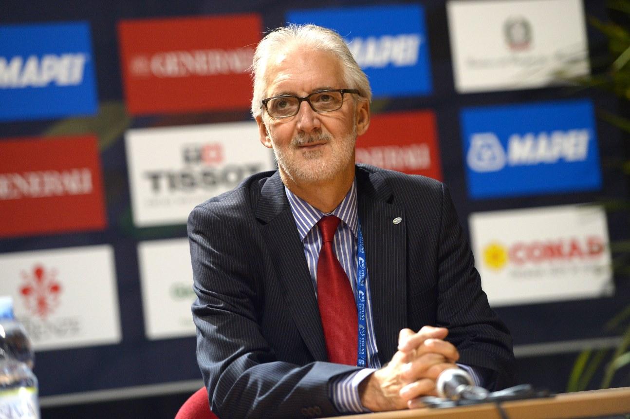 Die UCI, um ihren Präsidenten Brian Cookson, erteilte Astana vorerst keine World Tour-Lizenz. (Foto: Sirotti)