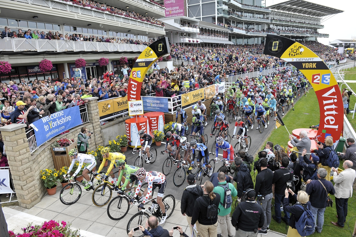 Tour de France 2014, Start der 2. Etappe