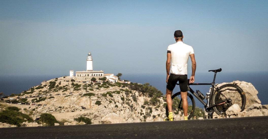 Das Cap Formentor gehört zu den schönsten Zielen auf Mallorca und bildet das östliche Ende einer Halbinsel.