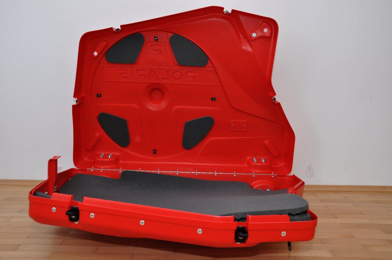 Zwei Schaumstoffmatten trennen die Laufräder vom Rahmen.